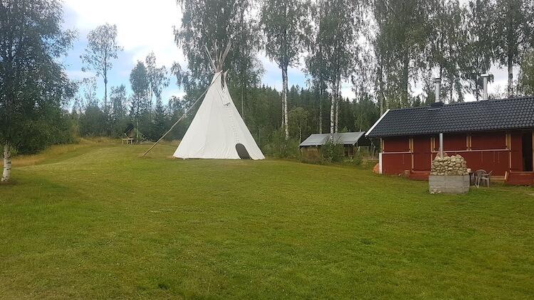Campingveld met Tipi